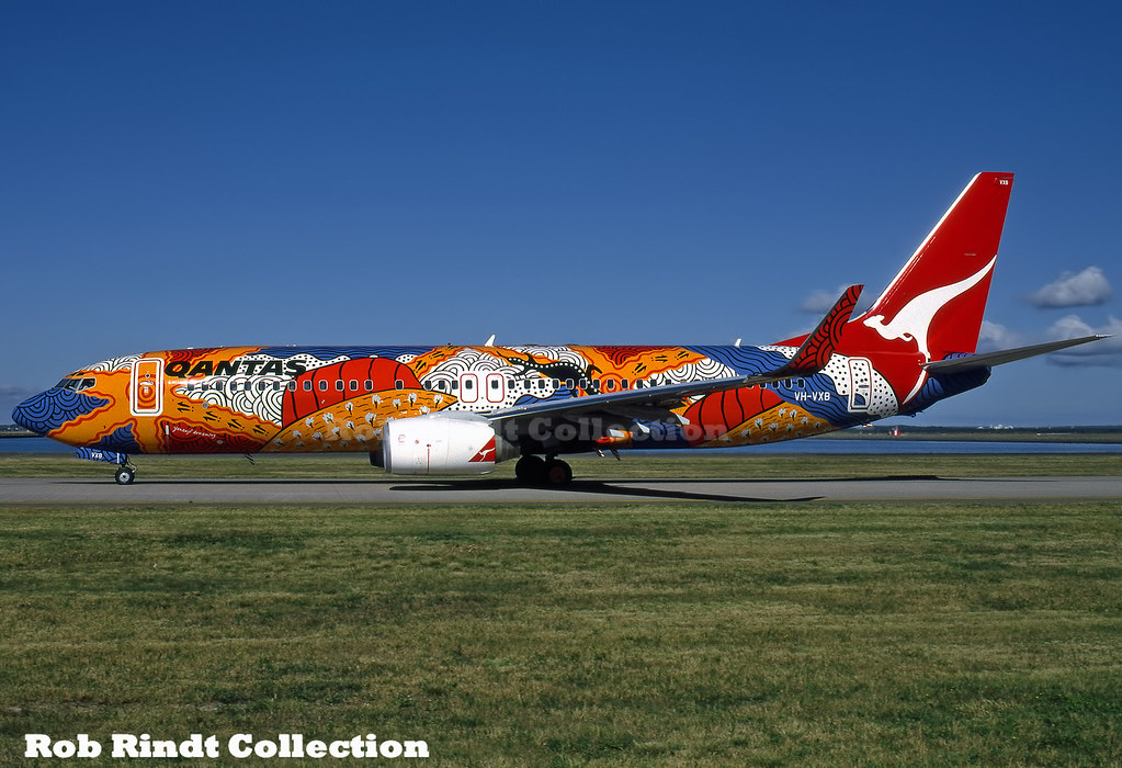 Qantas Airways B737-838(WL) VH-VXB