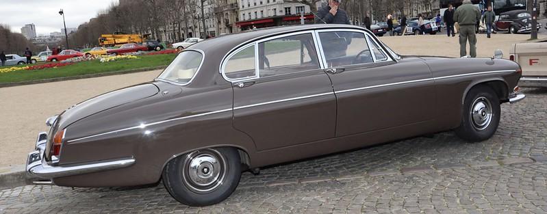 Jaguar type 420 G 1966/70 / 5763 exemplaires -  Paris Vauban Février 2020 49578232577_48e7893b90_c