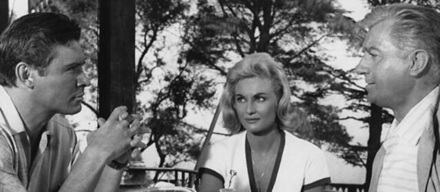 Ronald Lewis, Diane Cilento et Claude Dauphin dans le film Traitement de choc (Val Guest, 1961)