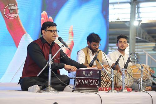 Devotional song by Dr. Vinod Gandharve Ji