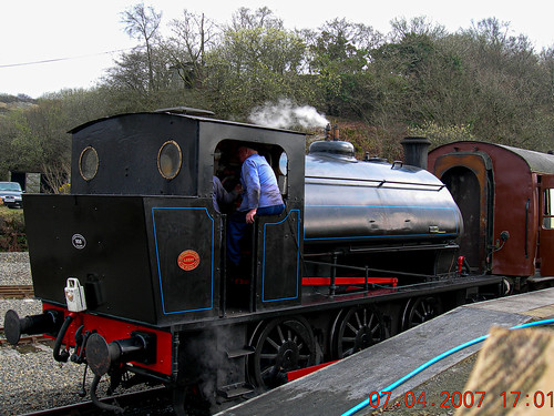 england nikon unitedkingdom velodenz uk greatbritain heritage train tank engine devon gb coolpix locomotive devonshire shunter shunting e7900 okehampton hunslett outside outdoors outofdoors