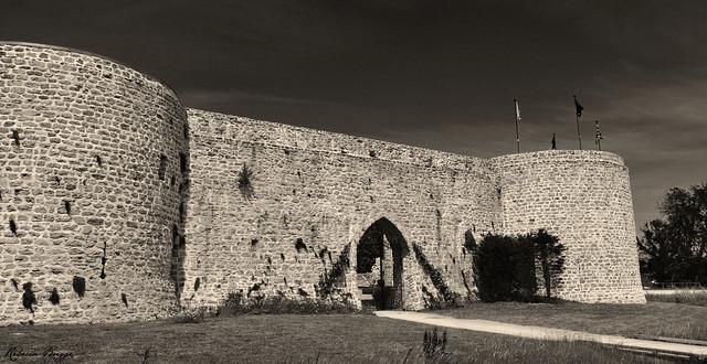 Château d'Hardelot - the castle walls