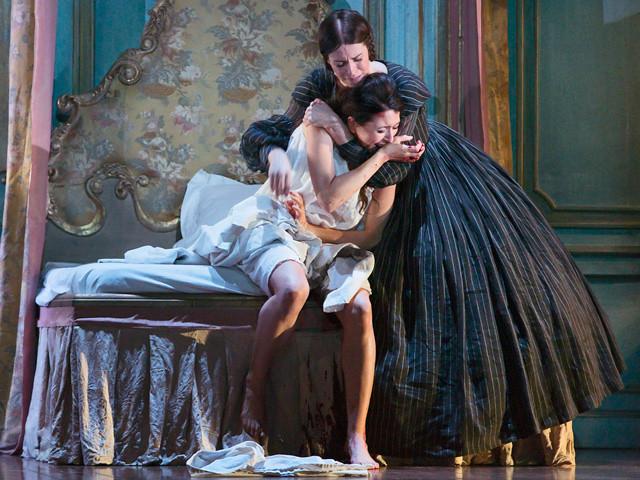 Lisette Oropesa and Rachael Lloyd in Lucia di Lammermoor
