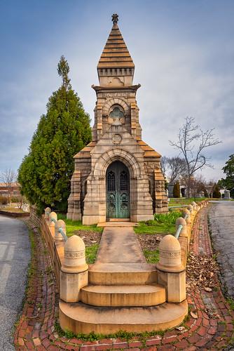 oaklandcemetery atlanta georgia ga usa richardsmausoleum tomb mausoleum plot landscape