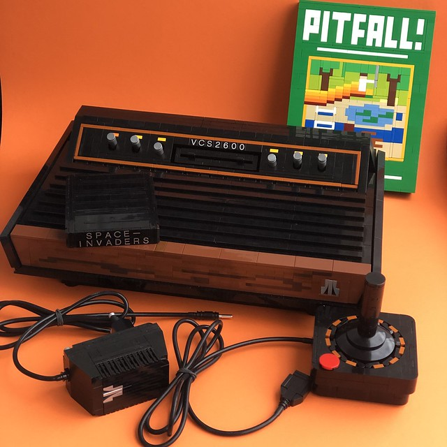 Atari VCS 2600 recreated in LEGO