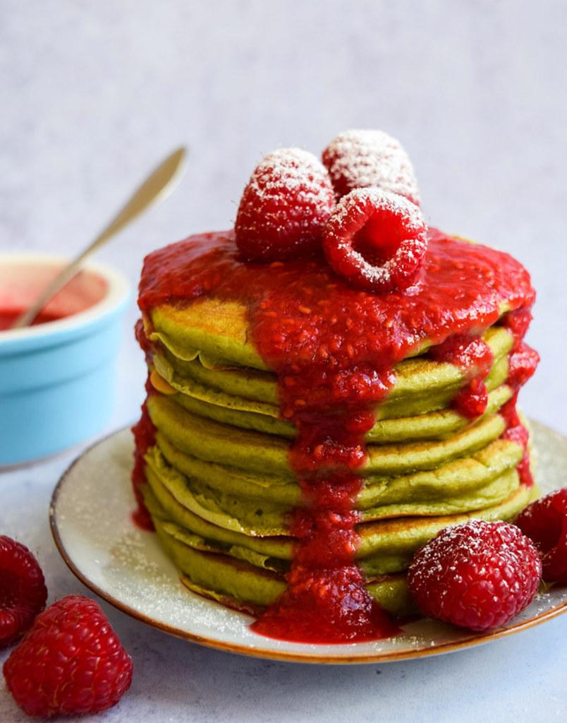 raspberry-matcha-pancake