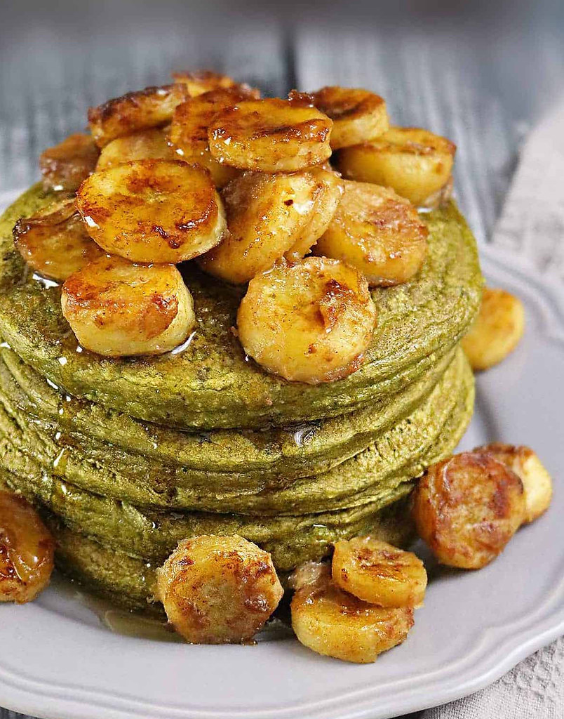 Banana-Matcha-Oatmeal-Pancakes-With-premier-protein1