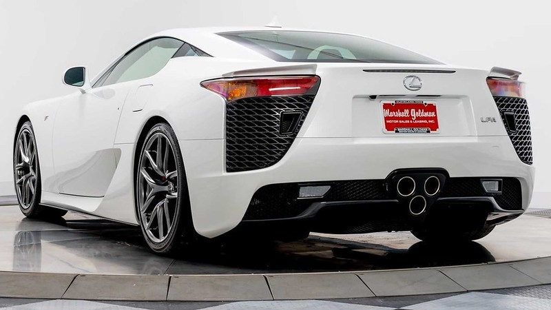 paris-hilton-lexus-lfa-for-sale (1)
