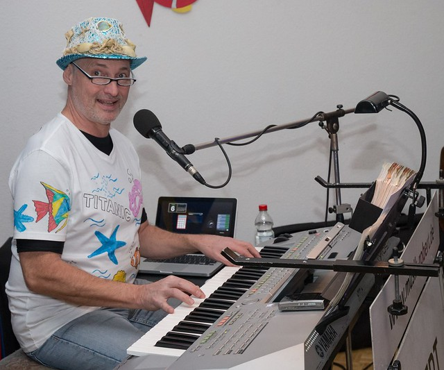 Keyborder and piano player Rober during a Carnival Party near Frankfurt for a Fire Brigade Organisation