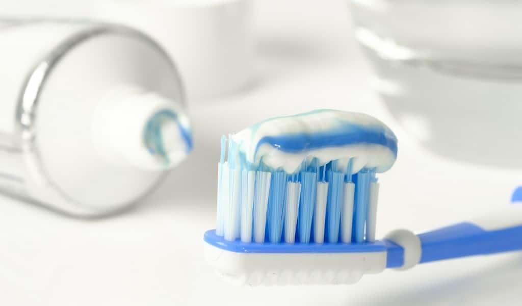Réduire l'inflammation systémique avec un dentifrice