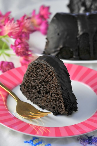 Black-Chocolate-Bundt-Cake-21