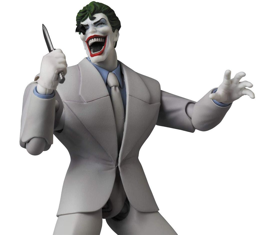 盡全力想把黑暗騎士逼瘋的狂人! MAFEX《蝙蝠俠:黑暗騎士歸來》小丑 マフェックス No.124 MAFEX JOKER(The Dark Knight Returns)