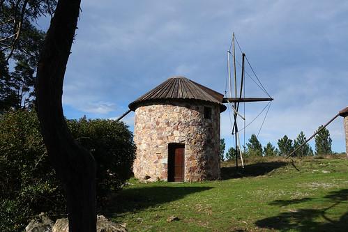 portugal centre luso penacova architecture abandonné abandoned bâtiments buildings moulins windmills paysages landscapes
