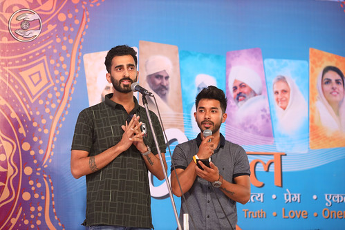 Devotional song by Samdeesh Ji and Sidharth Ji from Delhi