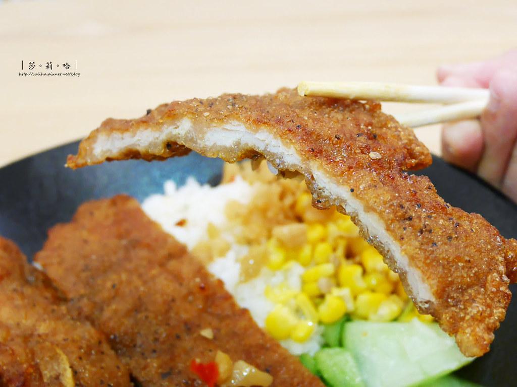 台北士林不限時餐廳梁社漢排骨 好吃便當雞腿飯外帶推薦分享食記 (5)