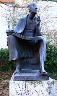 statua Alberto Magno