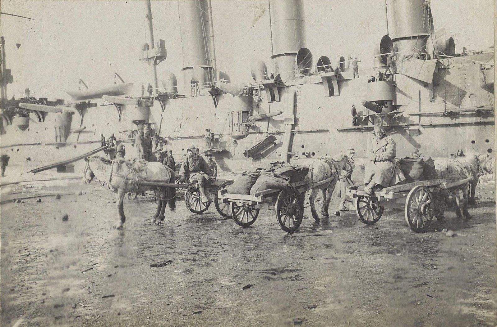 07. Обоз в порту около кораблей