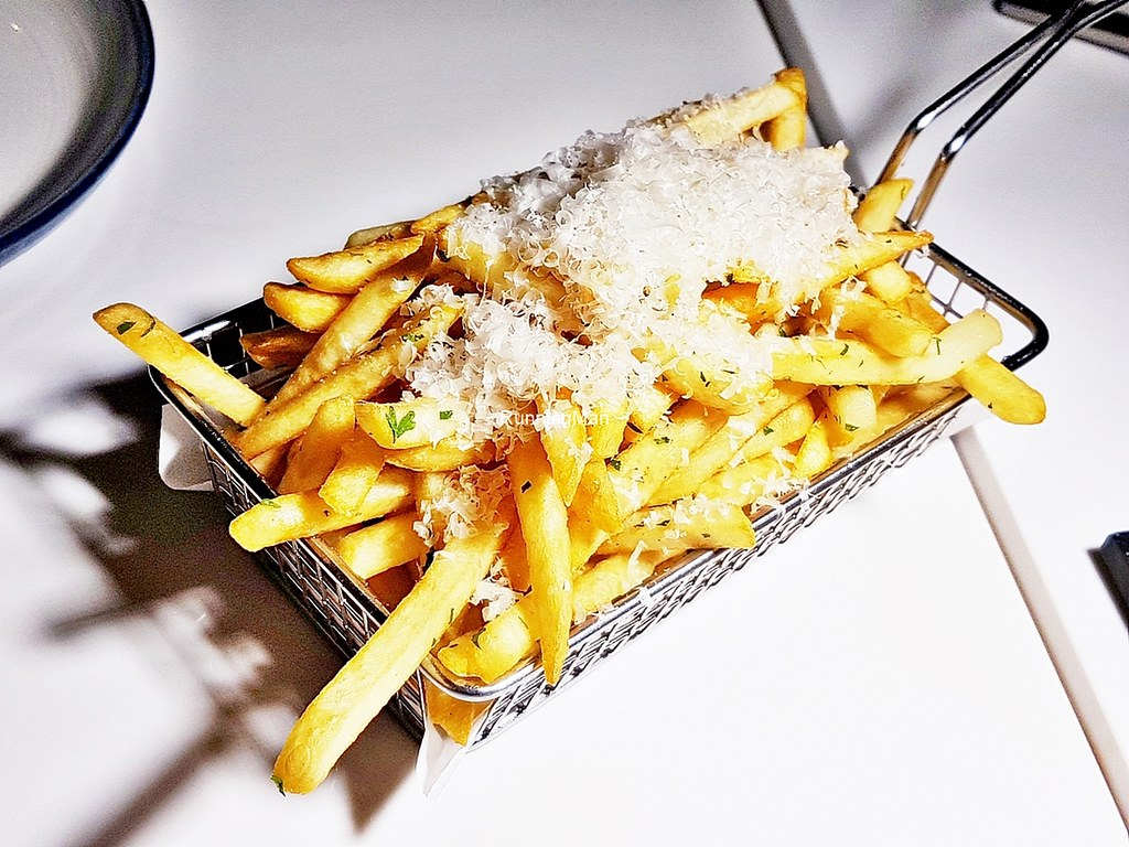 Truffle Shoestring Fries