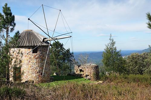 portugal centre luso penacova architecture paysages landscapes abandonné abandoned moulins windmills nature