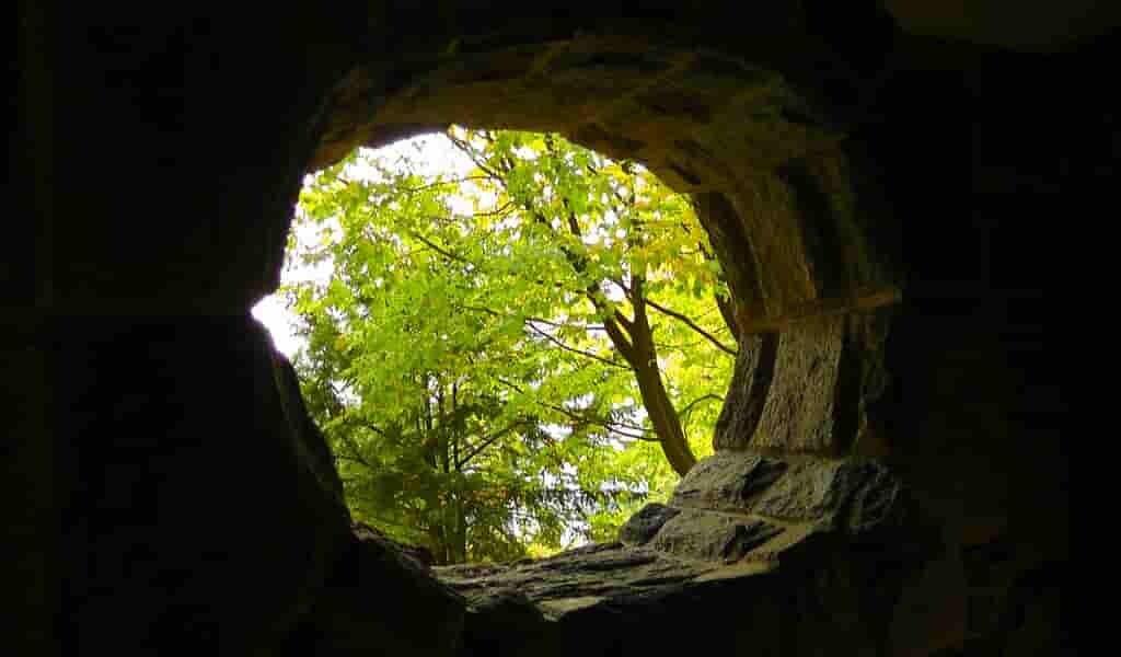 Une-grotte-en--sibérie-dévoile-la-technologie-des-Denisoviens