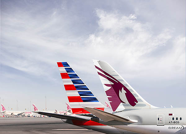 Qatar Airways y American Airlines tails (Qatar Airways)