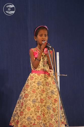 Devotional song by Gayatri Kale Ji from Mohol