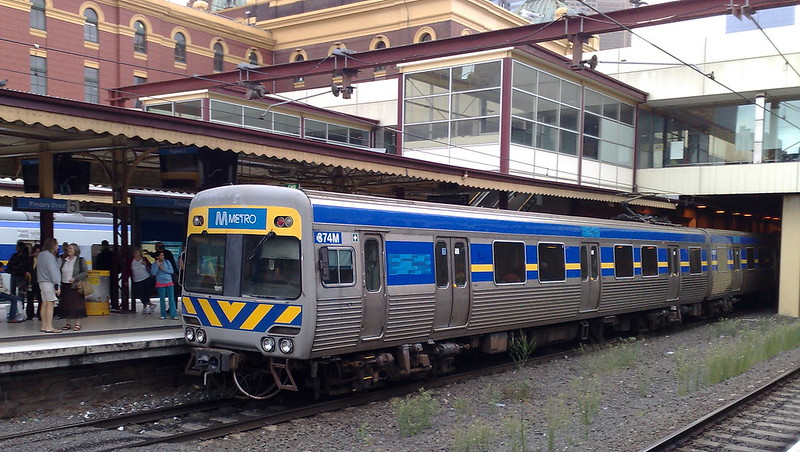 Comeng train at Flinders Street showing temporary Metro stickers, February 2010