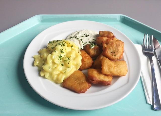 Kibbeling with remoulade & potato salad / Kibbeling mit Remoulade & Kartoffelsalat