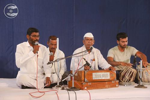 Abhang by Bala Sahib Chaudhary Ji from Karmali