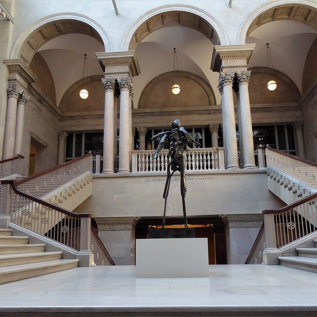 Chicago, Art Institute of Chicago, Main Staircase in the Original Building, Sculpture