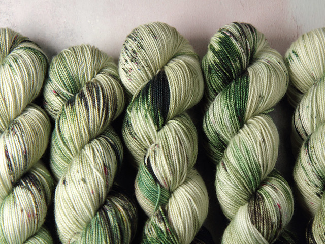 Favourite Sock – pure Merino 4 ply/fingering weight wool superwash hand dyed yarn 100g – Flourish