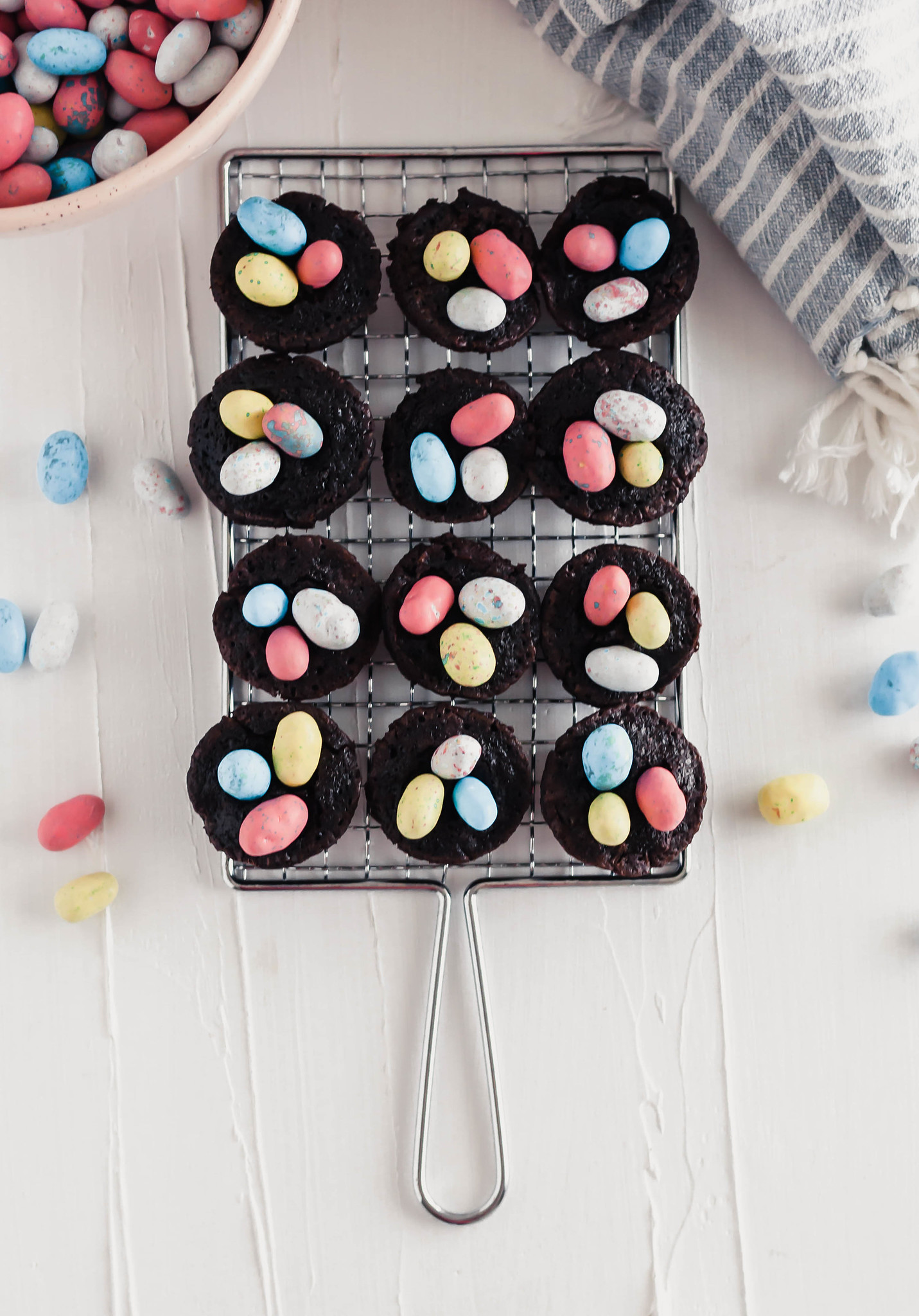 These cute little Brownie Nests are SO simple to make and super festive. Get the kids in the kitchen to help make this simple Easter dessert.
