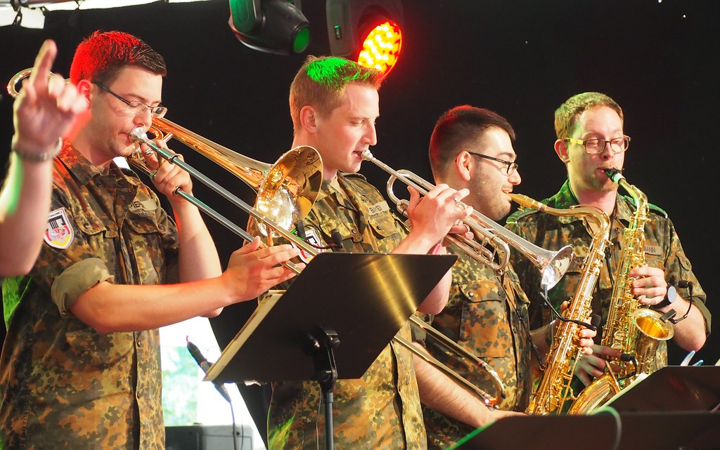 German Military Band (Bundeswehr) in Ruesselsheim - Hessentag Festival 2017