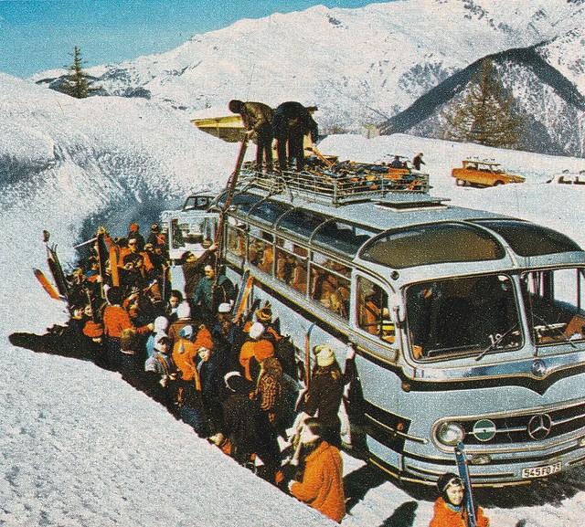 Postcard Mercedes-Benz O321HL Collection La Vie du Rail Valloire (73 Savoie) 1971a