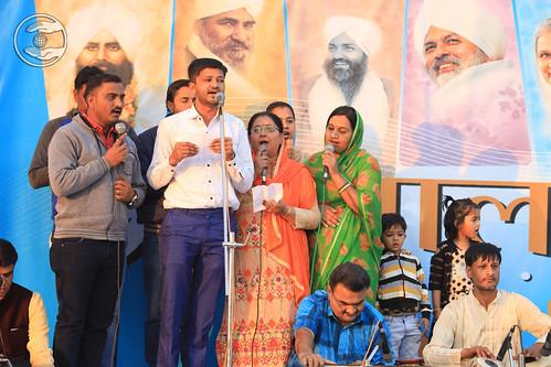 Hitesh Ji and Sathi presented Gujarati Geet