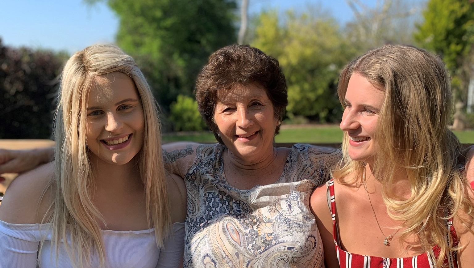 Bethan with her Mum and sister Hannah