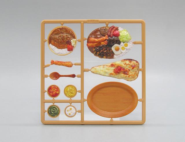 讓玩具們享用美味咖哩! M.I.C.『模型飯(フィギュアのごはん)Vol.3』1/12比例塗裝完成組裝模型
