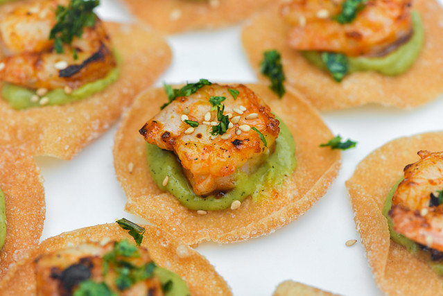 Sriracha Shrimp on Wonton Chips