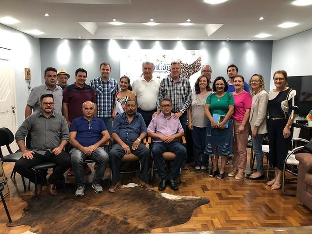 26/02/2020 Reunião com o diretório progressista, prefeito e vereadores de Santiago