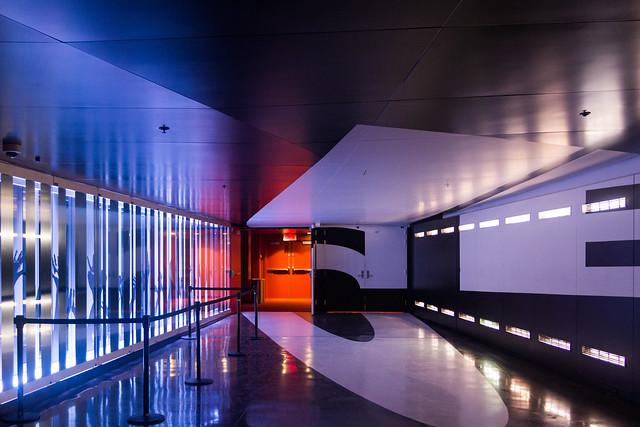 Métro Place des Arts