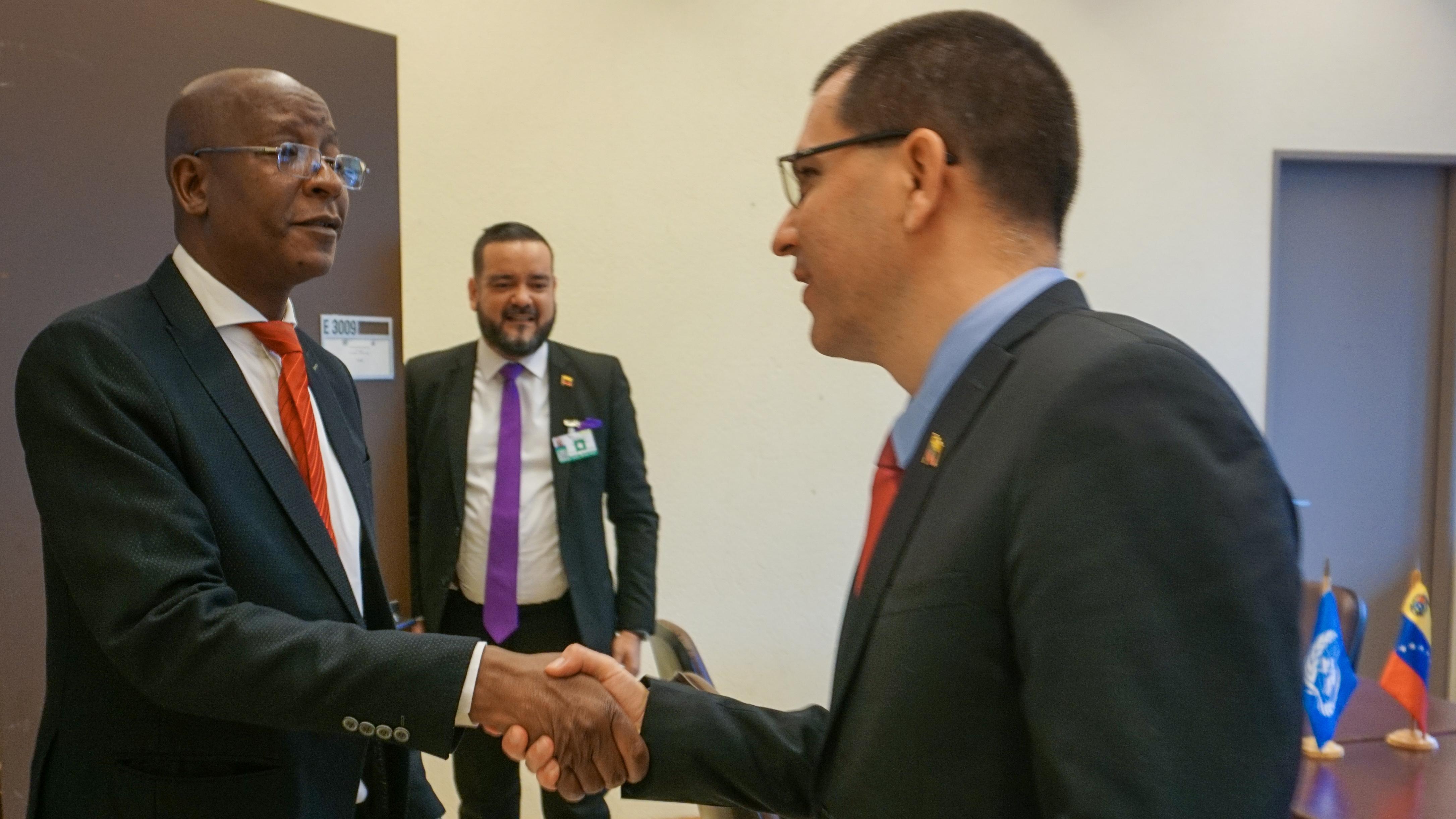 Venezuela y Zimbabue afianzan relaciones de hermandad y cooperación en la ONU-Ginebra