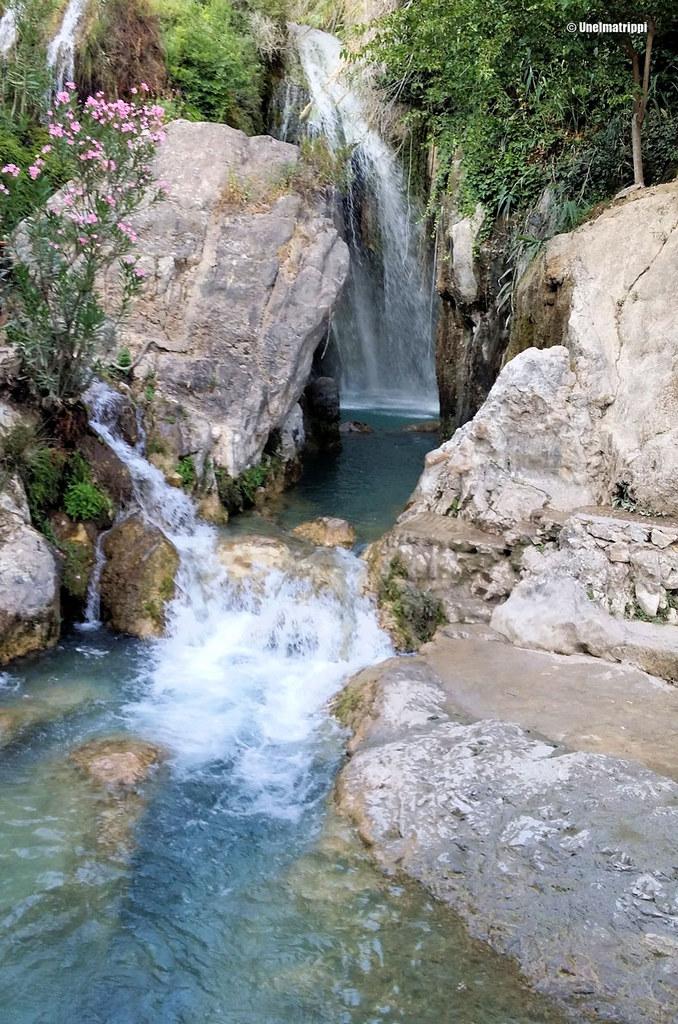 Fuentes del Algarin virtaavaa vettä