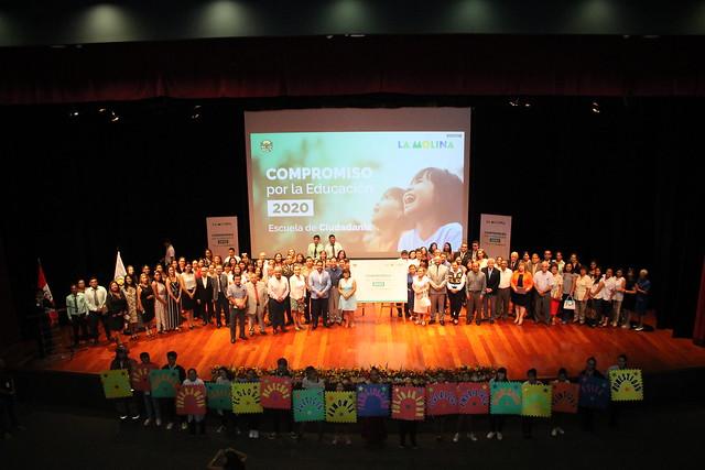 Universidad de San Martín de Porres firmó Compromiso por la Educación 2020 – Escuela de Ciudadanía de la Municipalidad de La Molina