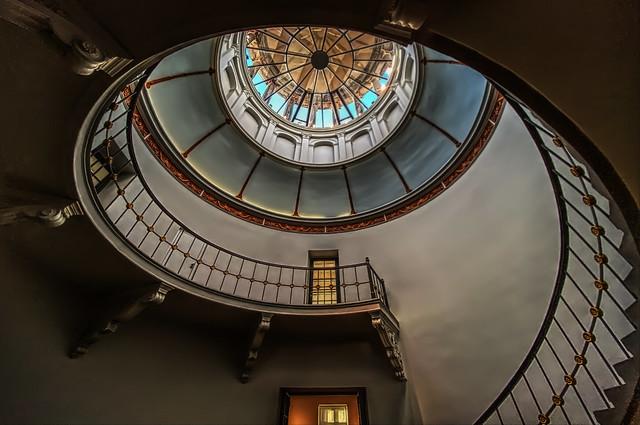 Staircase to Fibonacci