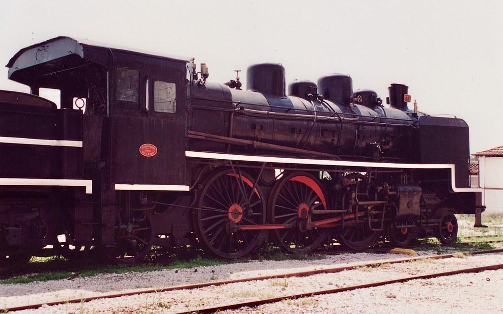 Steam locomotive CP 553