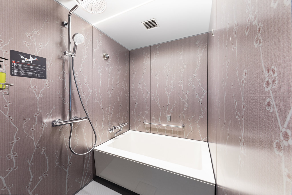 Bath Room (1)