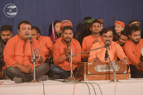 Gujarati Geet by Gobind Barod Ji and Sathi, Daman GJ