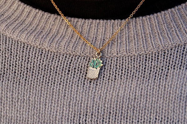 011220x6-succulent-necklace
