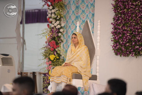 Satguru Mata Sudiksha Ji Maharaj gracing the scared dais