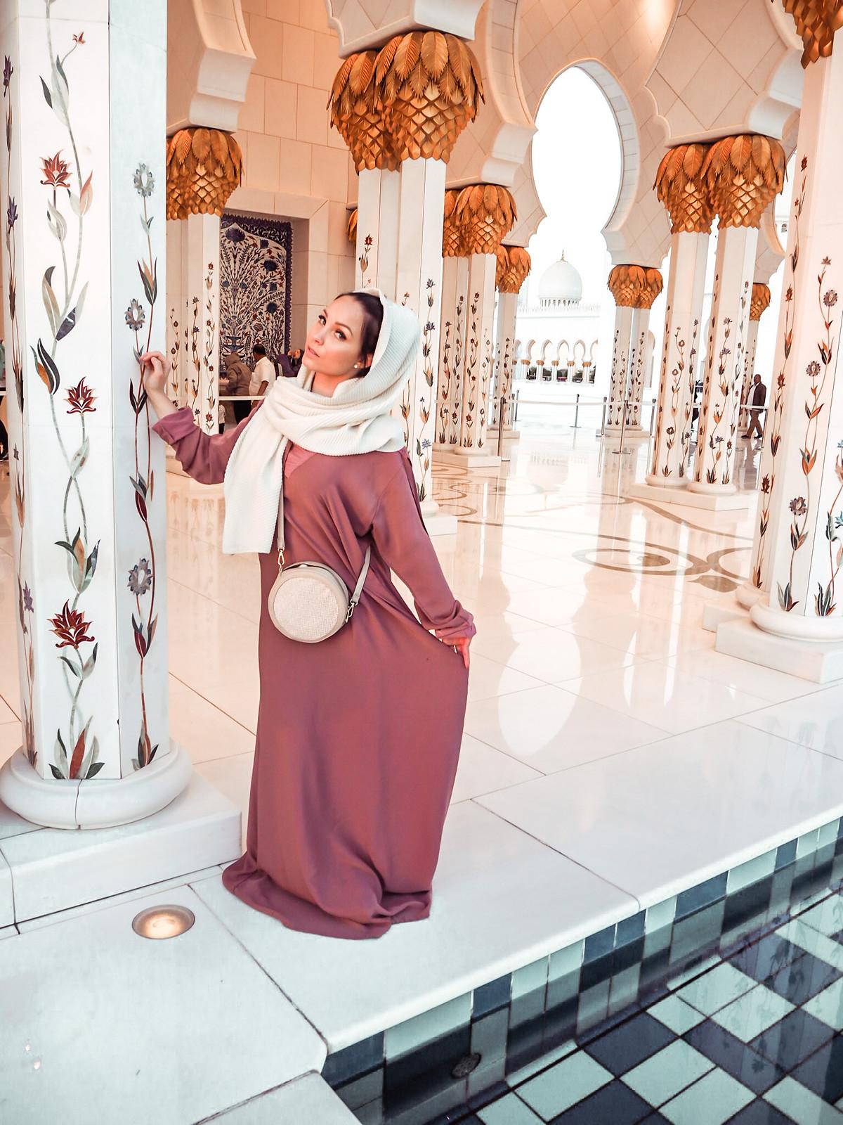 Sheikh Zayed Grand Mosque pukeutuminen